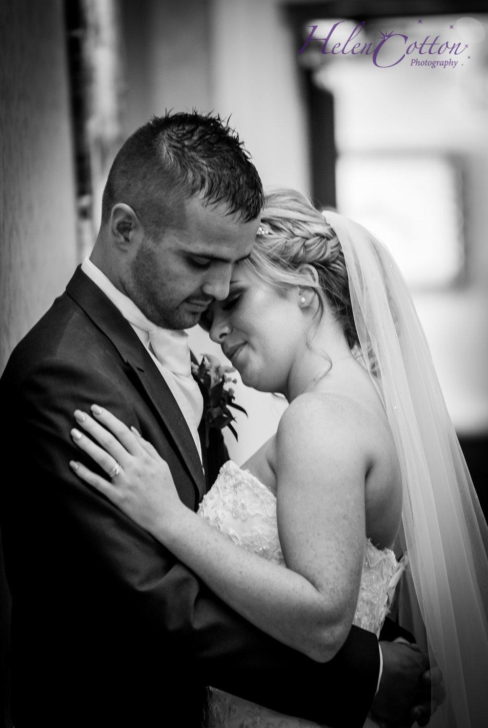 Emily & Chris's Wedding_WEB Wedding_Helen Cotton Photography©IMG_1394.JPG