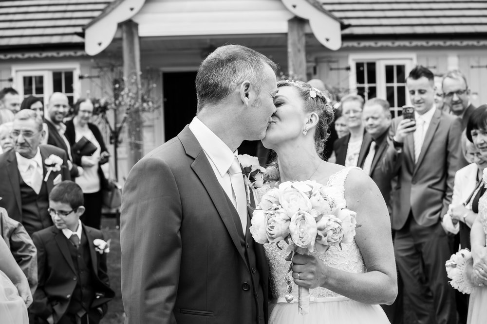 Simon & Michelle's Wedding_Helen Cotton Photography©_15.JPG