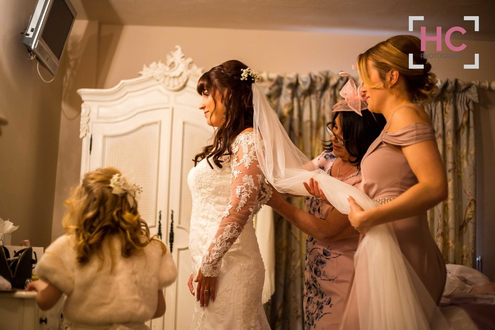 Kim+&+Rich_Wedding+Preview_Sandhole+Oak+Barn_Helen+Cotton+Photography©18.jpg