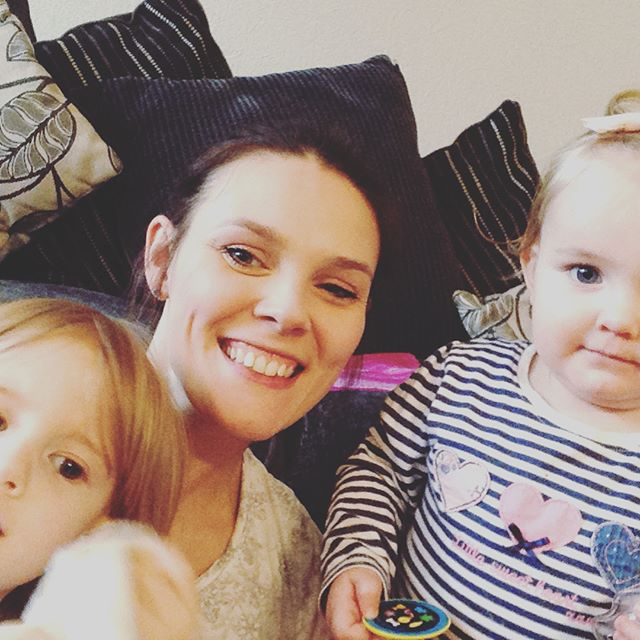 Happy Mothers Day to all today, hope you have a lovely day and with your families. Keep up the awesome work 😍👨👩👧👧#happymothersday #cupofteainbed #spendingtimetogether #mybeautifulgirls❤️ #lifeoflaughterandlove