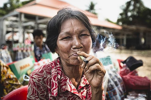 Nothing tastes better than a homemade cigarette. #siemreap #cambodia #travelphotography #simplelife #street #streetphotography #documentaryphotography #documentary #streetlife #smoking #cigarette #portraitphotography #portrait #kanmanphotography