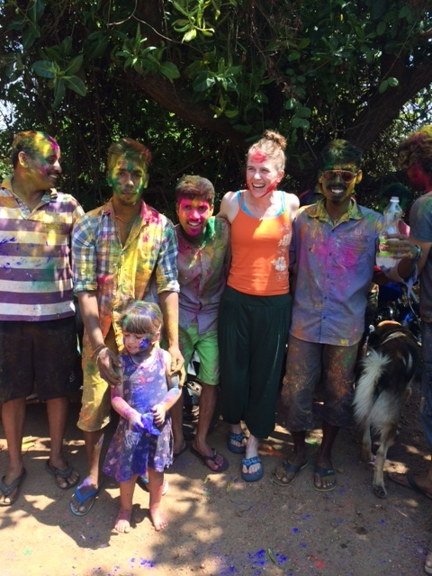 However, on foot, I did not escape the colors of Holi
