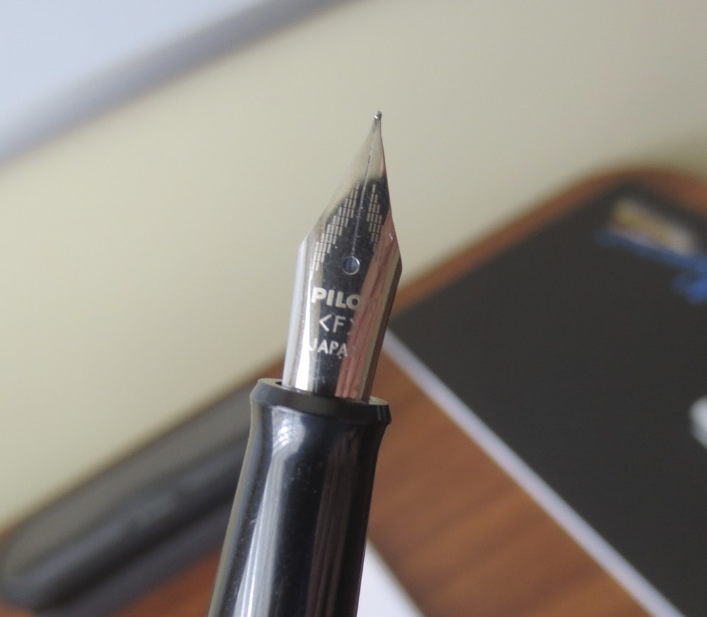 The Metropolitan uses the same nib as the Prera and other midrange Pilot pens.