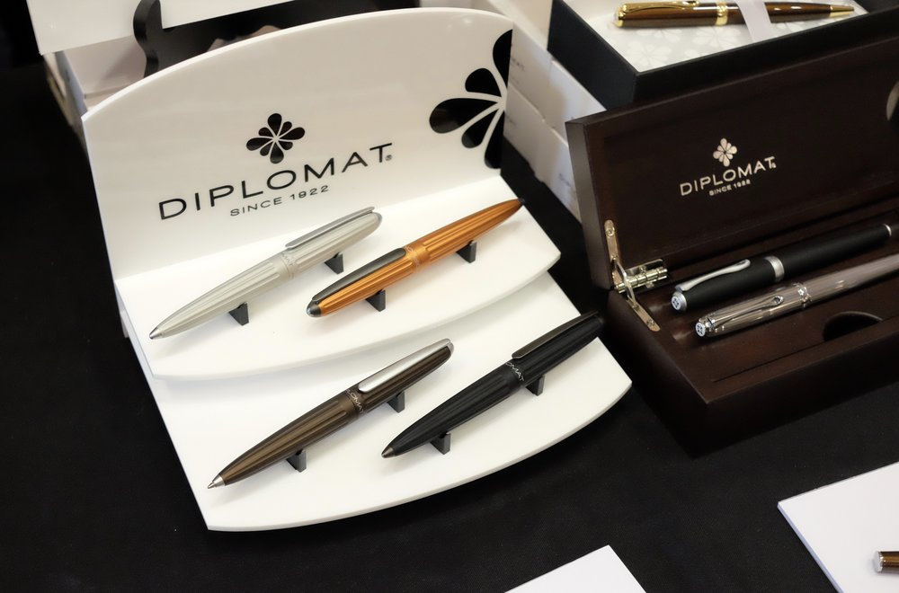 Diplomat Pens - Check out the Orange Aero!