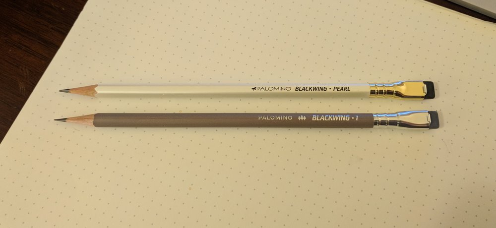 The Pearl (top) compared against the Blackwing Volumes 1, which is a round pencil with a gray wash.