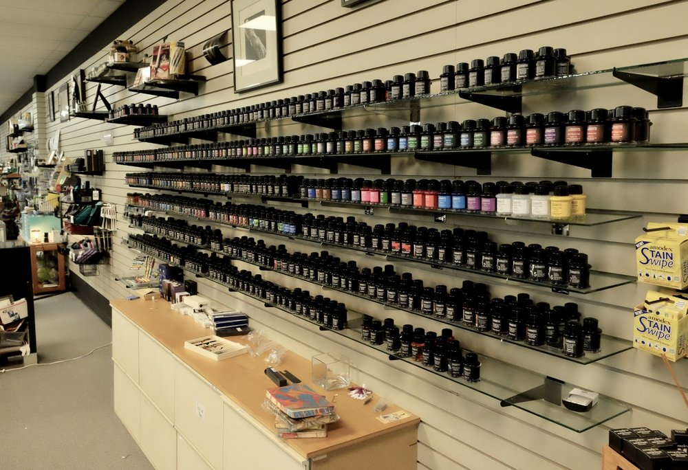 This display is ALL De Atramentis inks, though it's not even the full line!