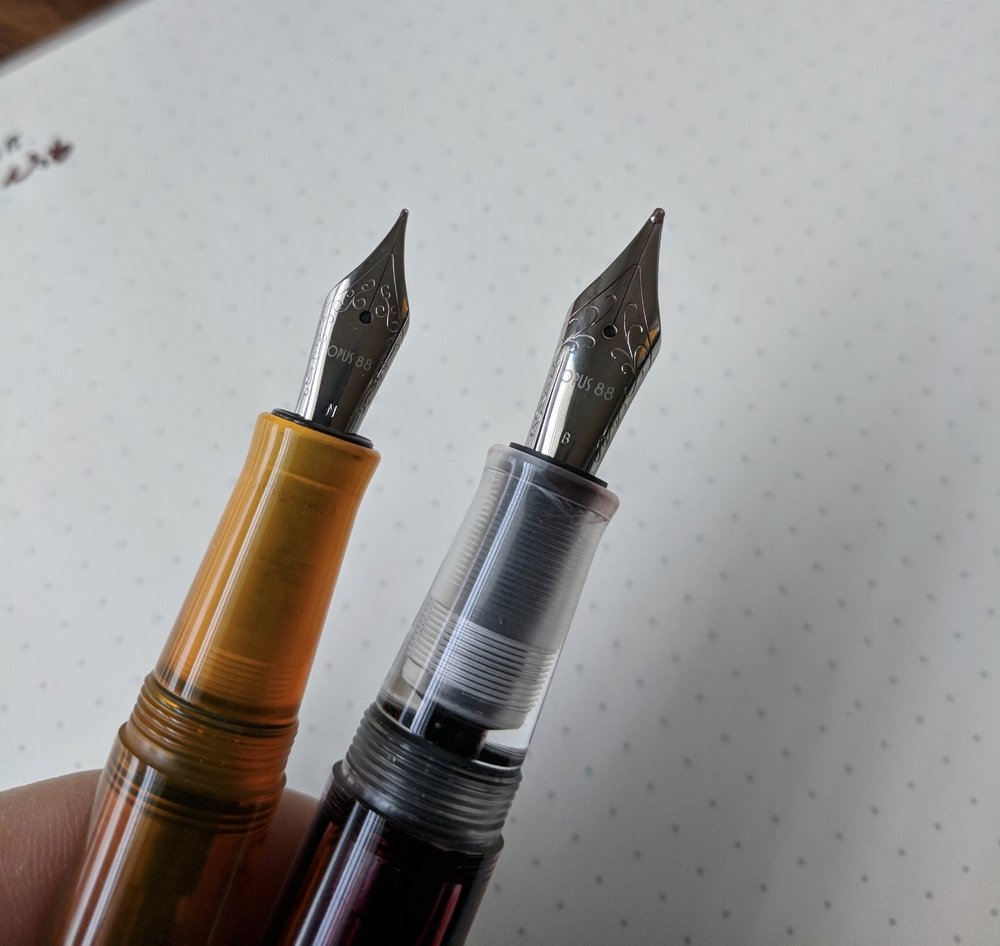 Nib size comparison: JoWo No. 5 (left) vs. No. 6 (right)