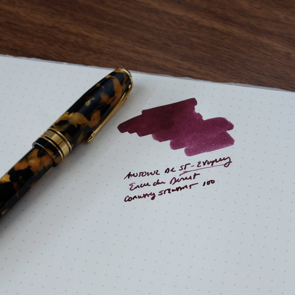 Review Pen:  Conway Stewart 100 in Honey Noire , courtesy of  Vanness Pens .