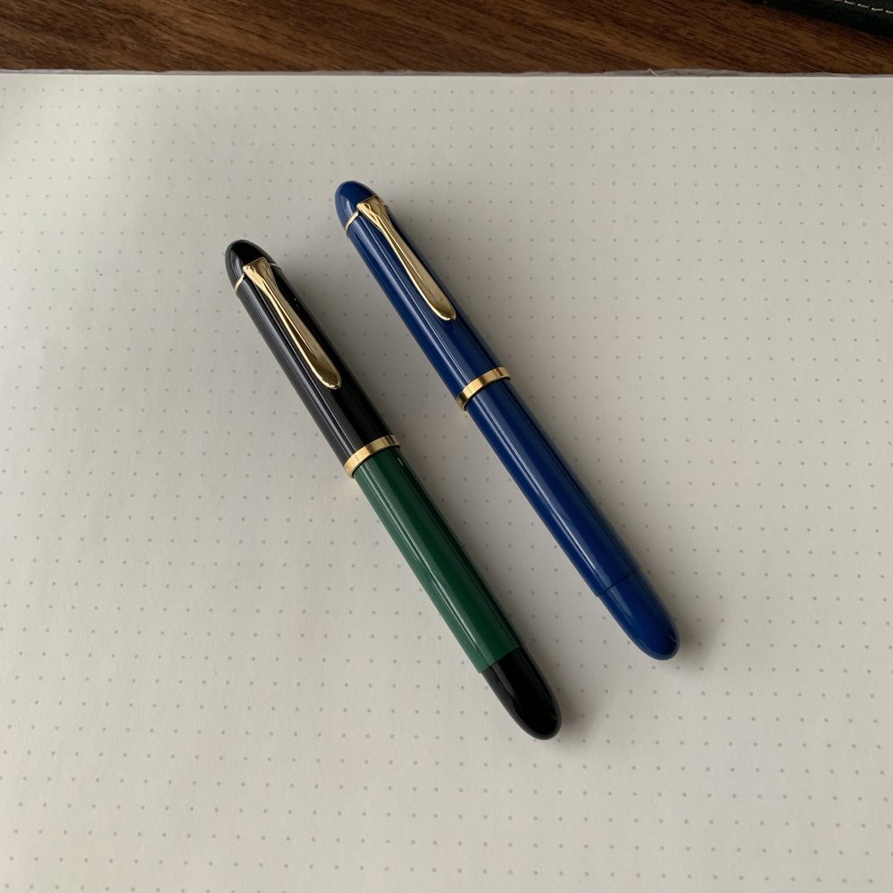 Pelikan-M120-Green-Black-Iconic-Blue