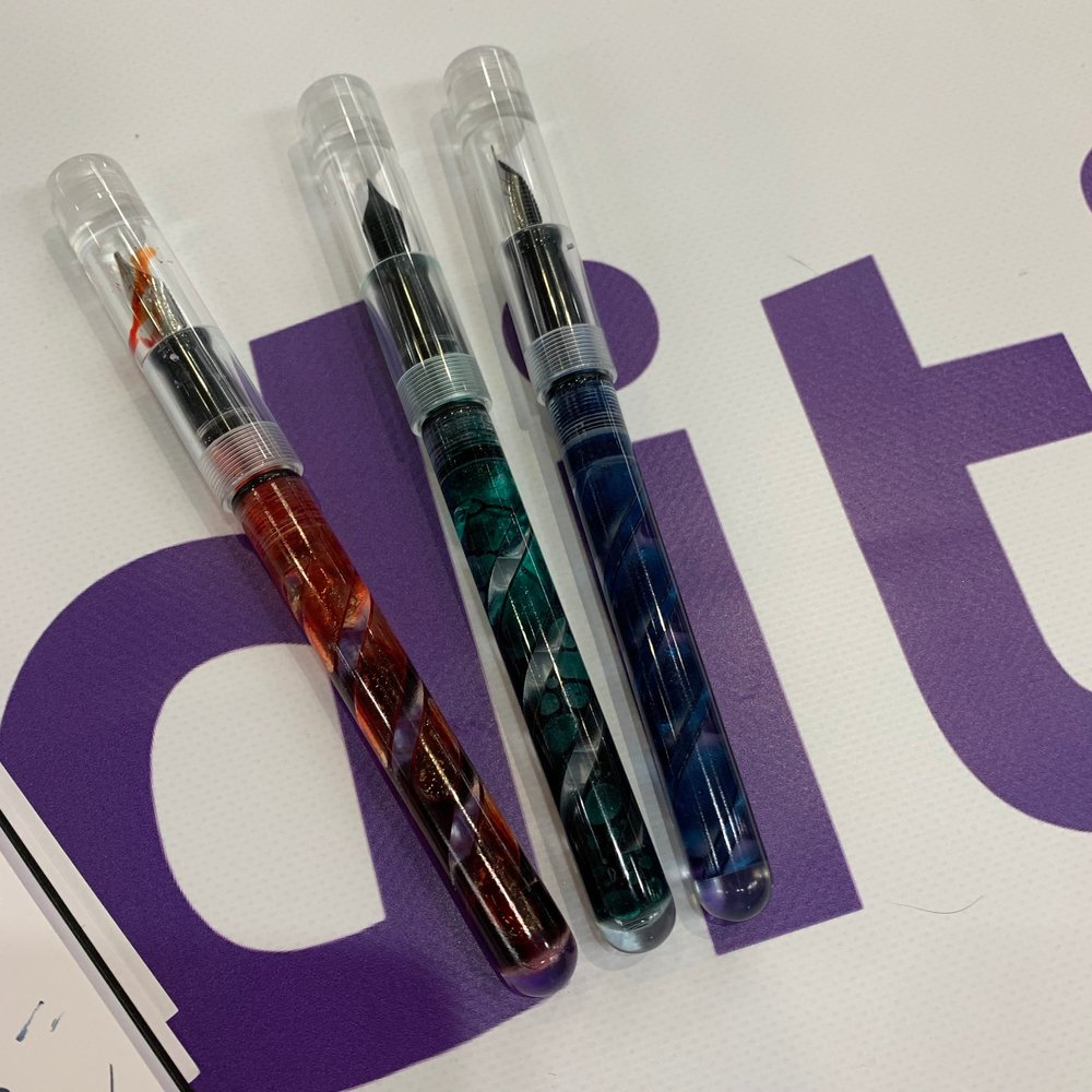 "Jerry from Additive Pens brought a bunch of new models to test, including these ""ribbon"" and ""inverted ribbon"" models."