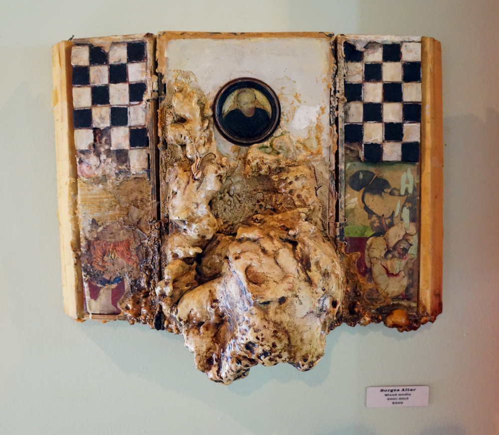 Borges Altar Box