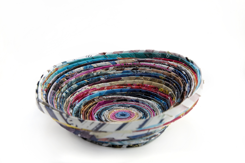 diy recycled magazine bowl