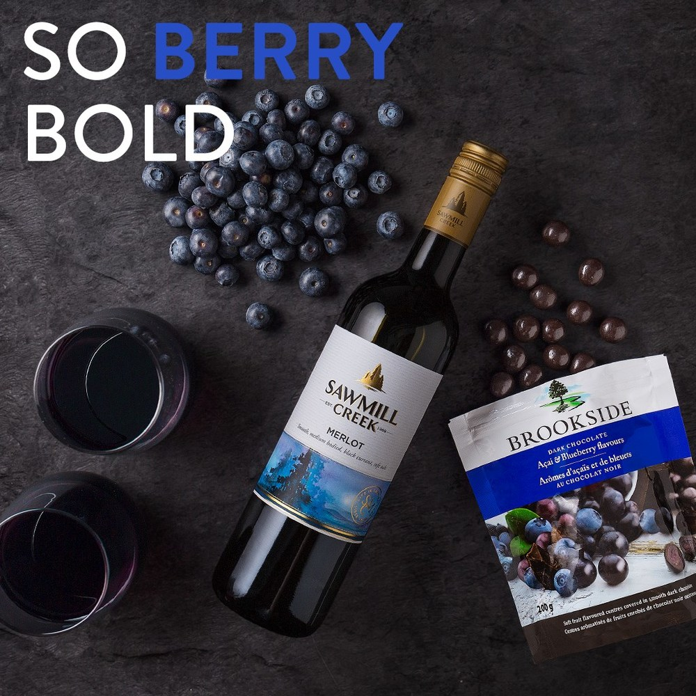 Açaí and Blueberry Brookside Pouch Bright, bold, with hints of delicate fruit notes. And that's just the bag of Brookside. Pair it with a glass of smooth, medium-bodied Sawmill Creek Merlot for the perfect finish.