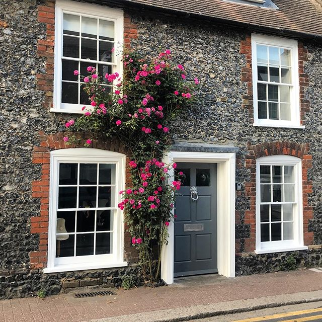 Quaint English cottage & roses 🌹 #cottage #England #Kent #roses #summer #holidays #family