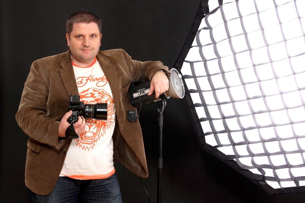 Wir arbeiten mit Hensel-Studioblitzen und stets neuster Kameratechnik