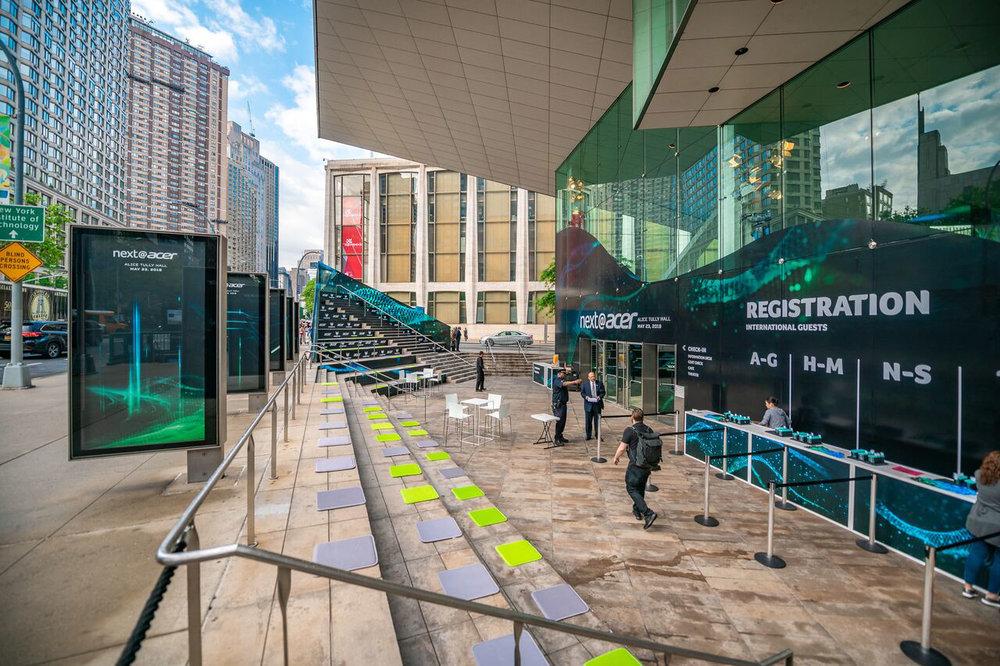 Acer / Enviromental + Experiential