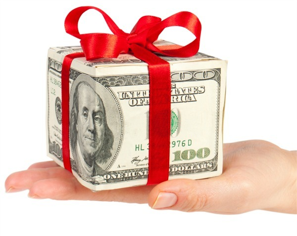 cost-of-christmas-money-gift.jpg