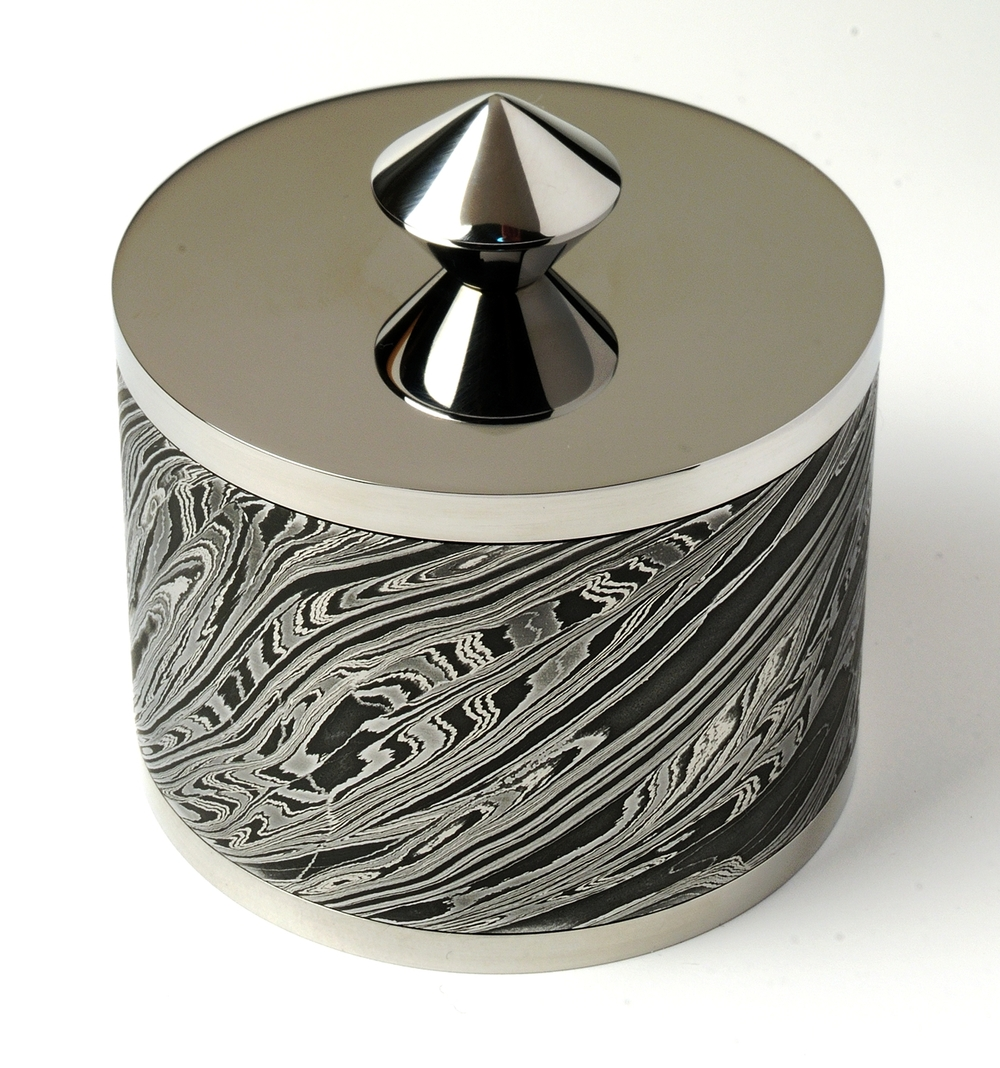 Lidded trinket box by Mick Maxen