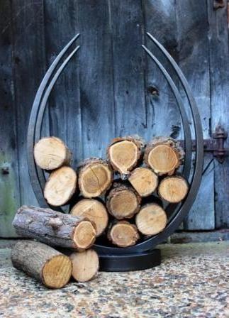Egg-shaped log hoop £230