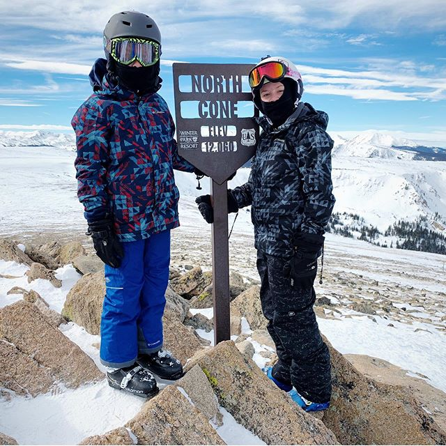 Extreme terrain area #vasquezcirque was open for a change, so the boys headed to the lookout. No, they didn't ski it. I hope they never tell me if they do as adults! 😜 #maryjaneterritory #skiwinterpark