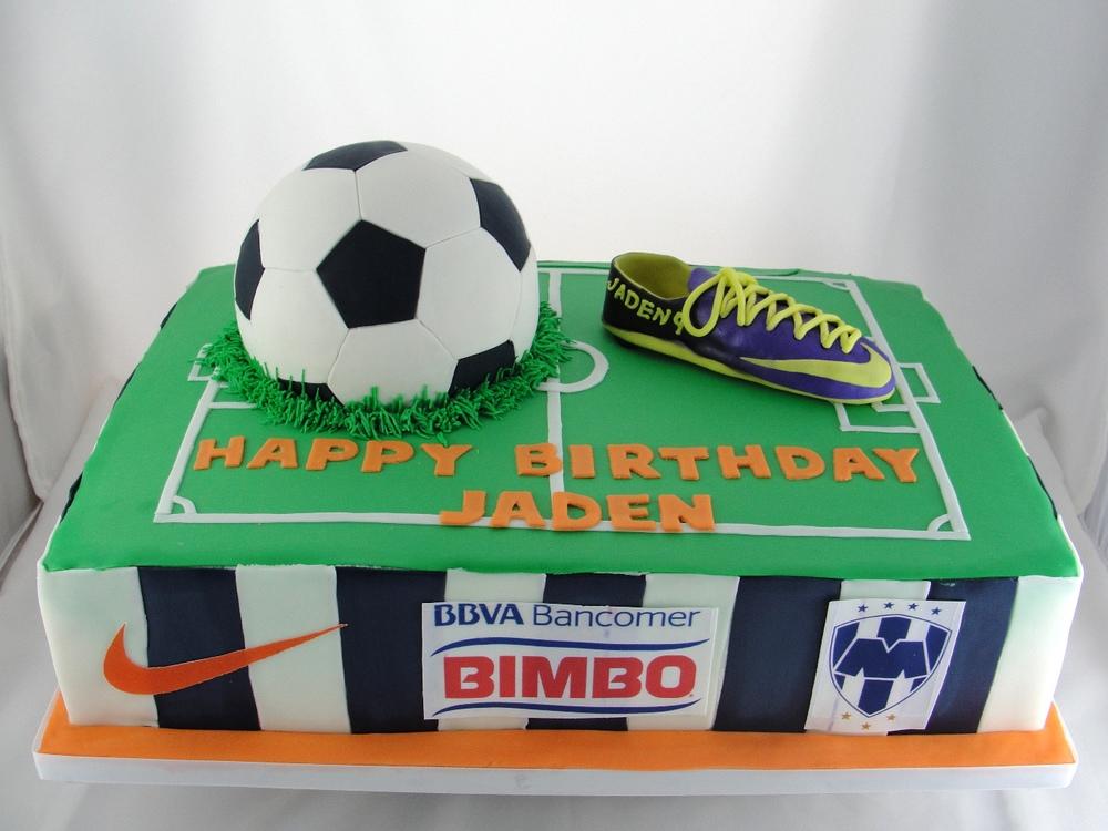 LBC 1325 - Soccer Cake.jpg