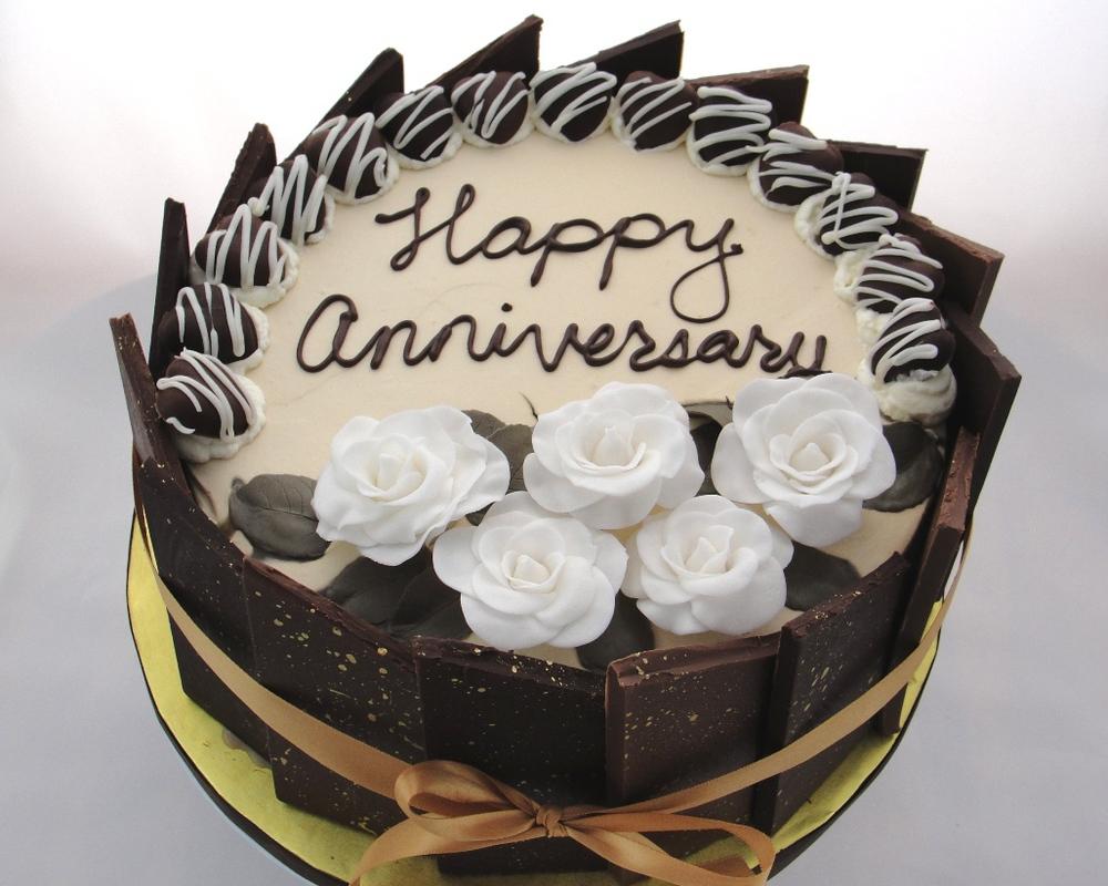 LBC 1315 - Tiramisu Anniversary Cake.jpg