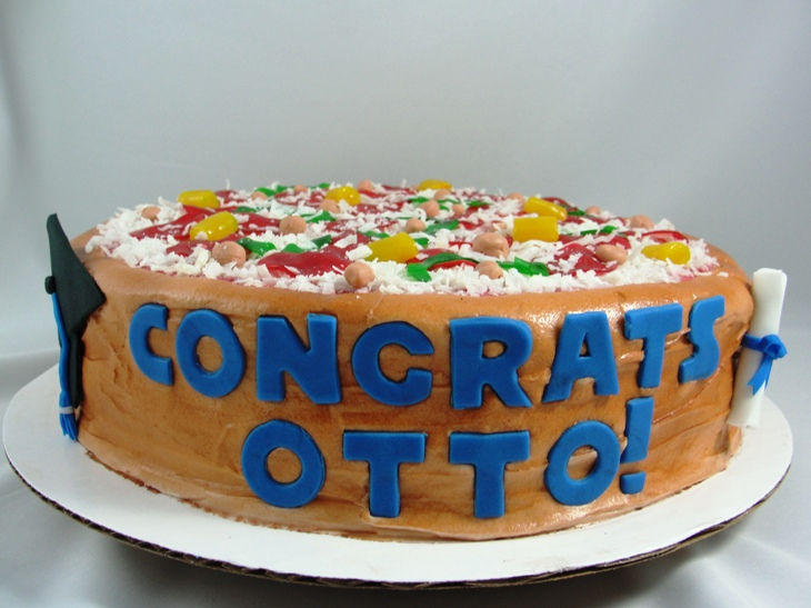 LBC 13C - Pizza Graduation Cake 1.jpg
