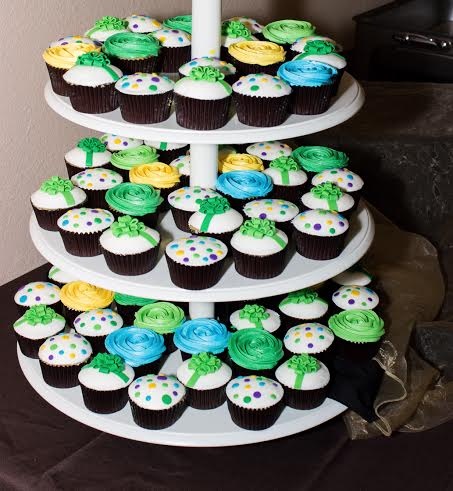 LBC 1401 - Brevard Zoo Founders Party Cupcakes.jpg