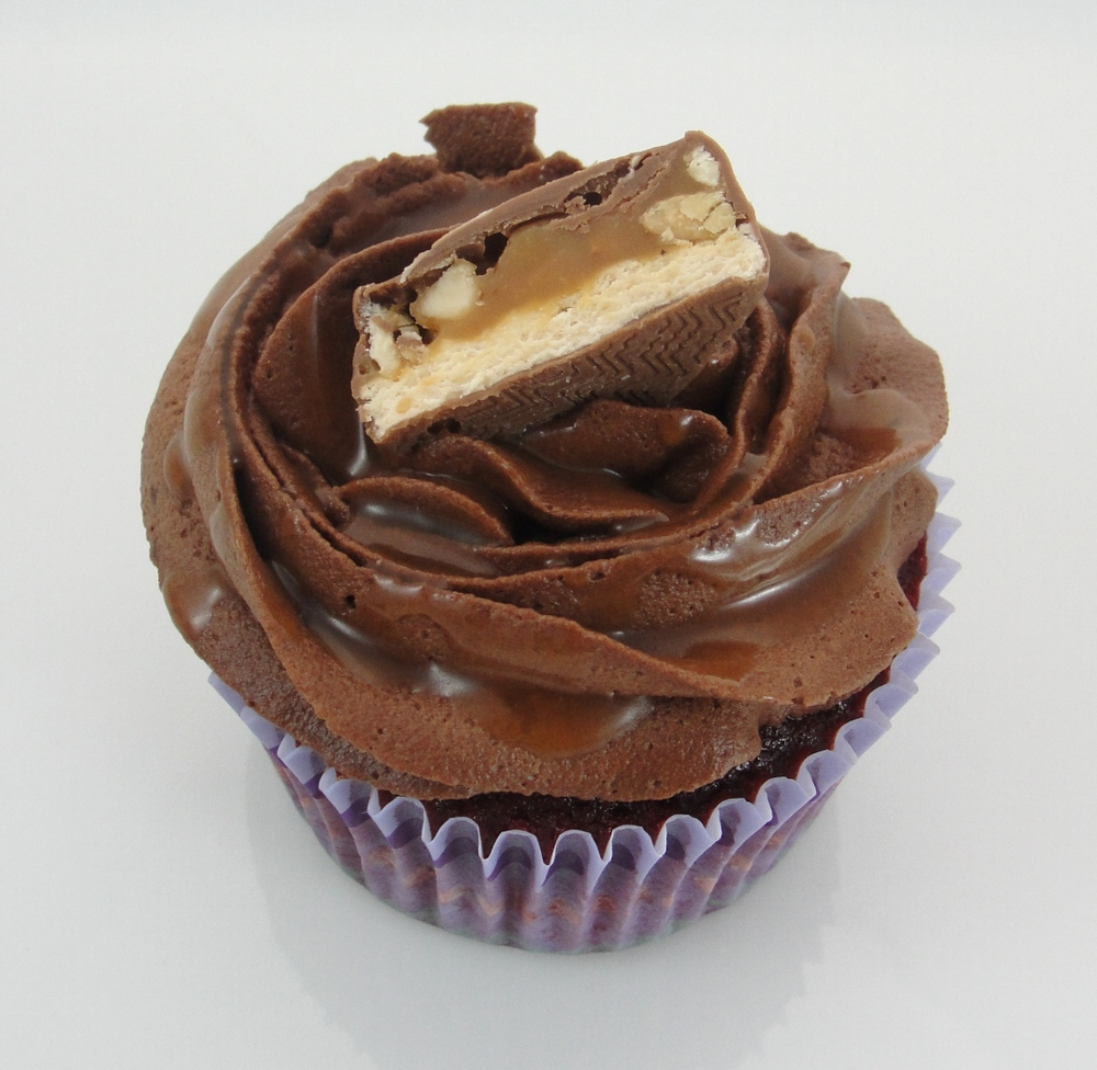 Snickers Cupcake.jpg