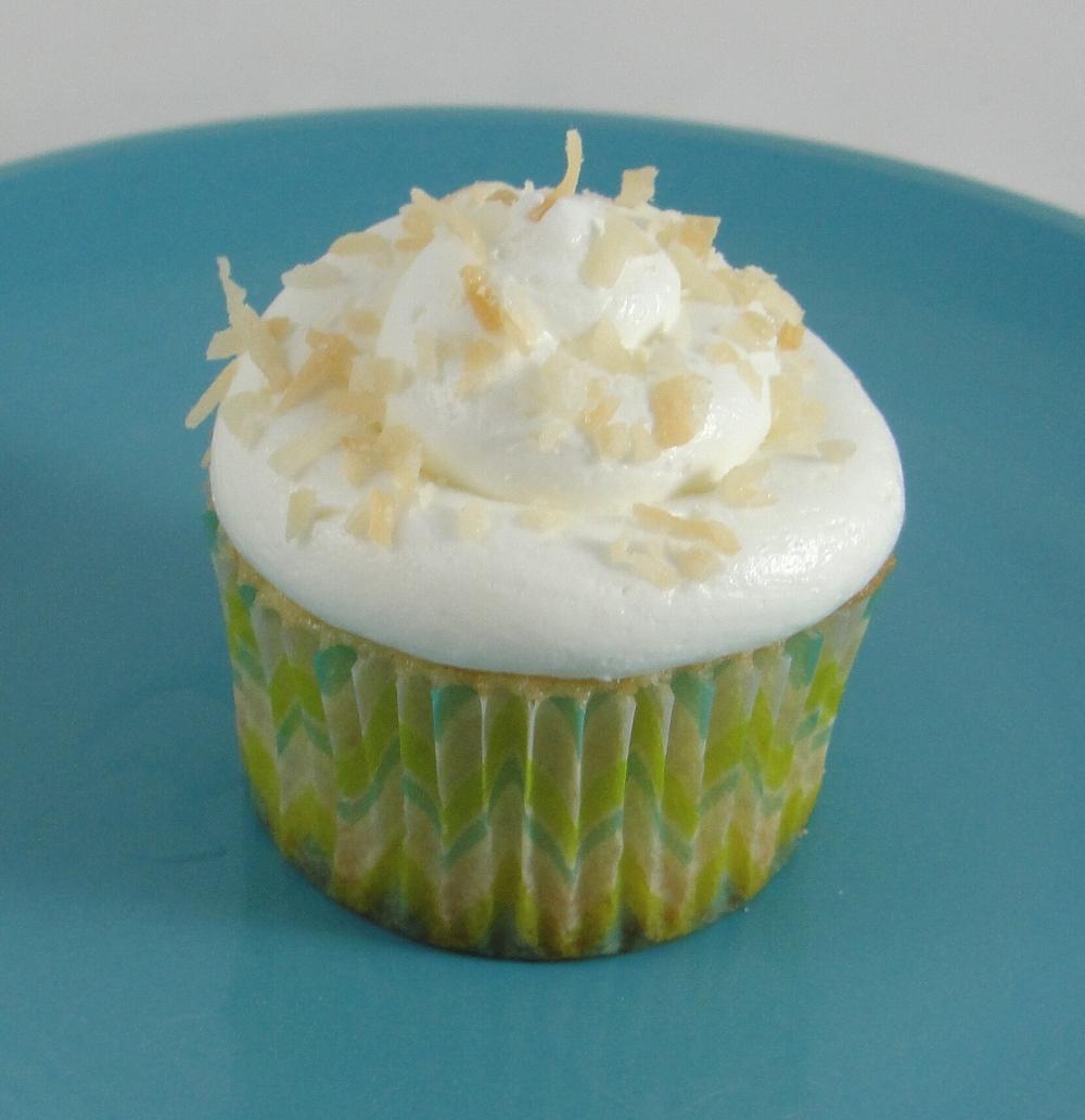 Pina Colada Cupcake.jpg