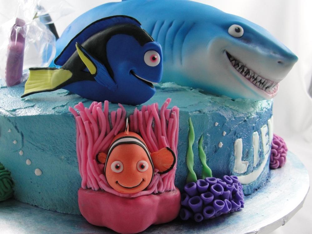 LBC 13B Finding Nemo Cake 2.jpg