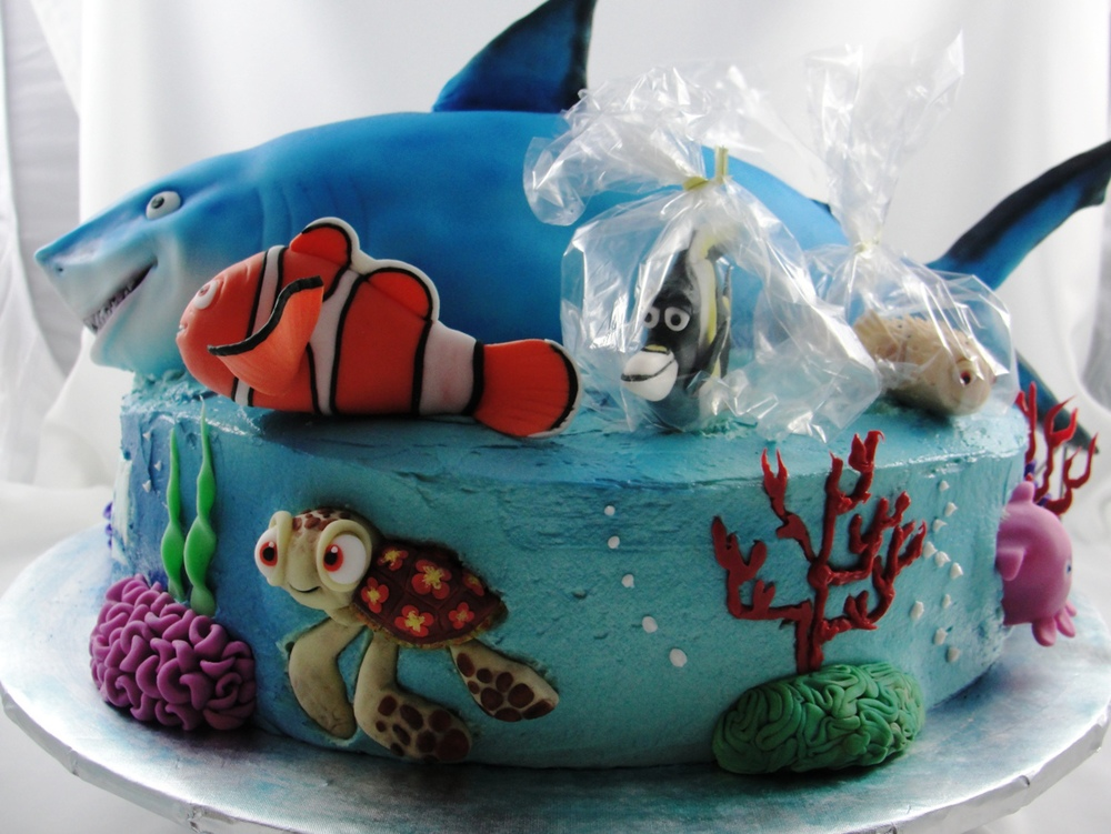 LBC 13B Finding Nemo Cake 5.jpg