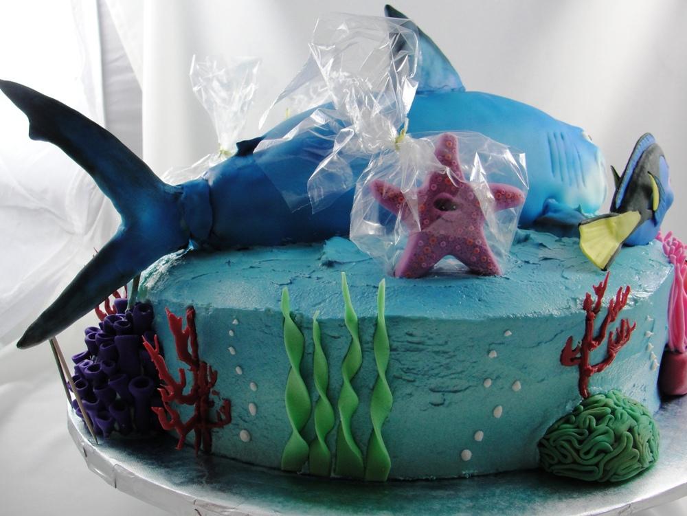 LBC 13B Finding Nemo Cake 3.jpg