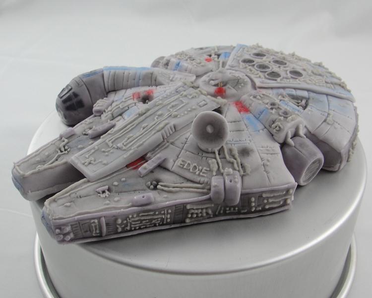 LBC 13A Star Wars Millenium Falcon 3.jpg
