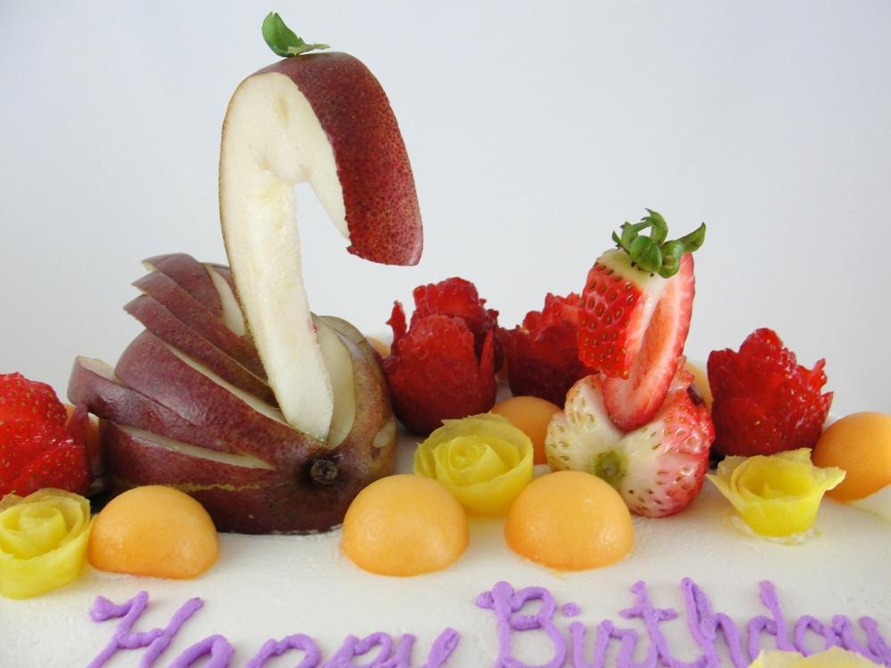 LBC 13O - Swan Fruit Cake - Fruits.jpg