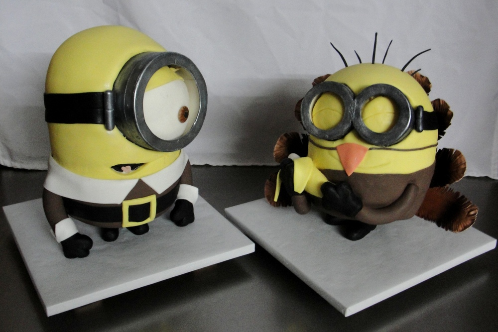 LBC 14P - Minion Thanksgiving Cake.jpg