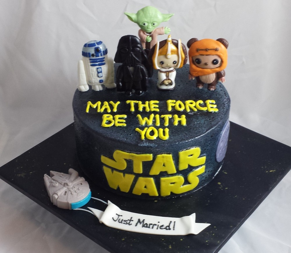 LBC 1504 - Star Wars Groom's Cake.jpg