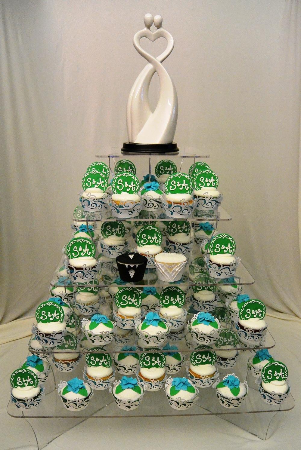 LBC 1505 - Wedding Cupcake Stand.jpg