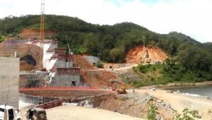 Construction of the Barro Blanco dam.