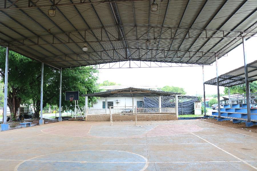 A roofed basketball court outside the local school in Las Lajas.