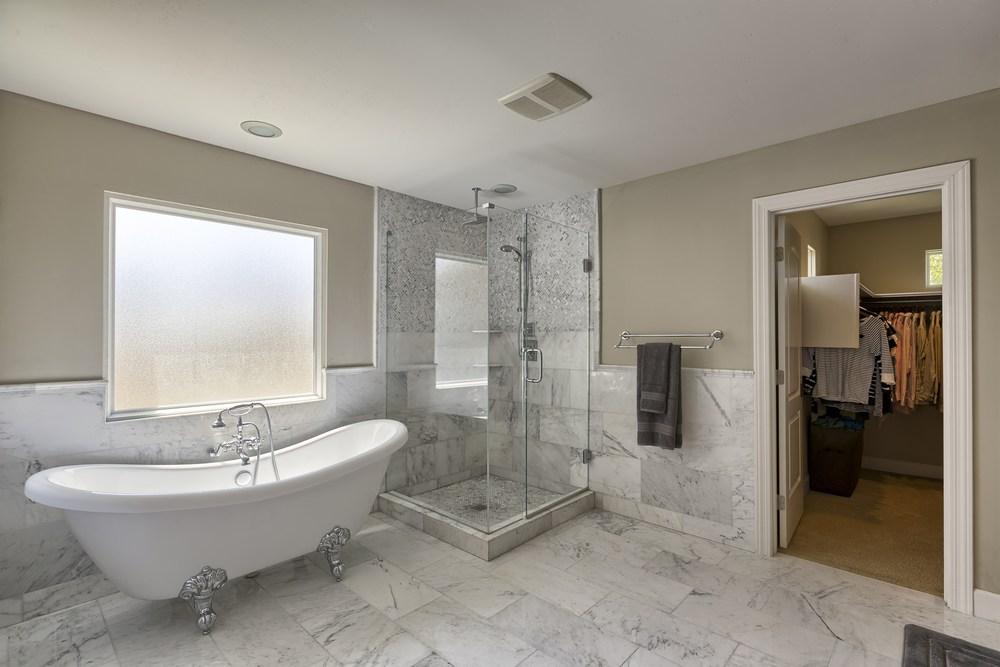 5201 N. 33rd Street, Master Bath