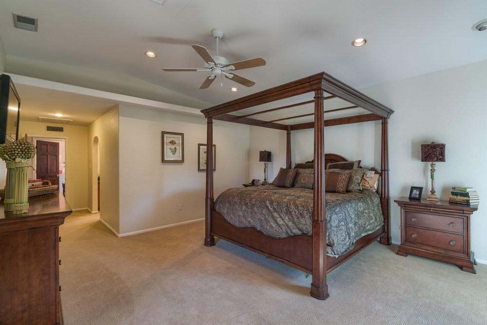018_Master Bedroom.jpg