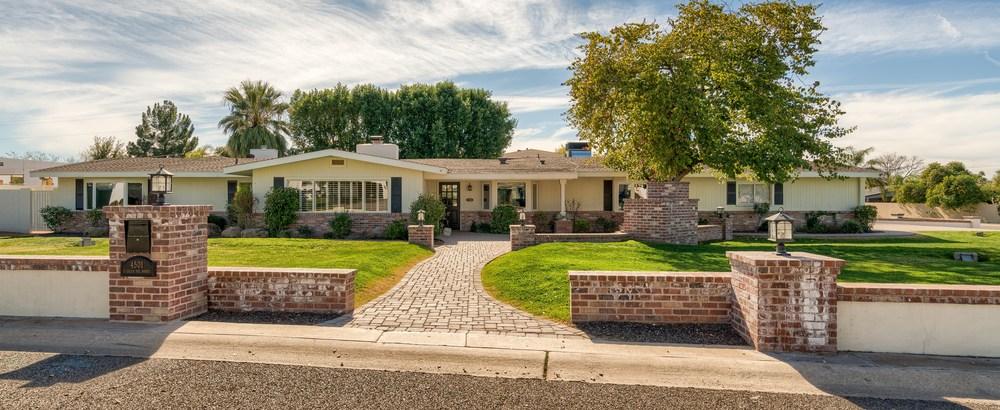 Great curb appeal already! 4501 E. Calle del Norte, Phoenix, AZ 85018