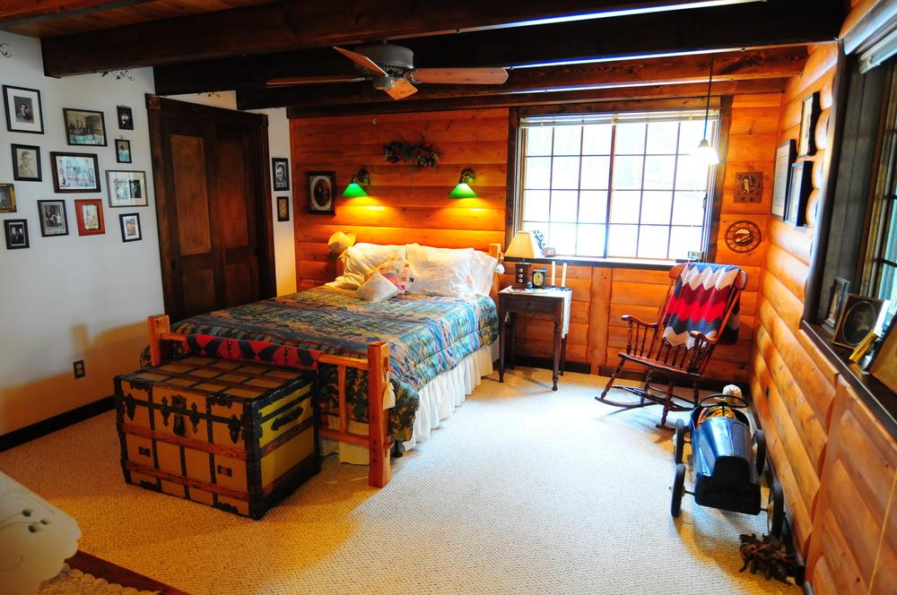 Bedroom of the Franklin Suite