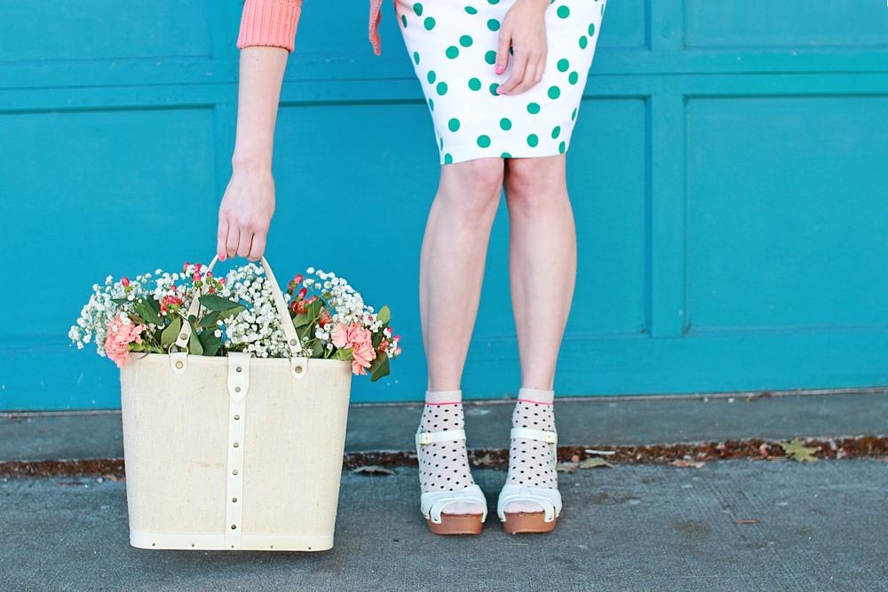 Dress: c/o Shabby Apple, Sweater: Vntage Lacoste,Shoes: Steve Madden, Socks: Target, Purse: Vintage