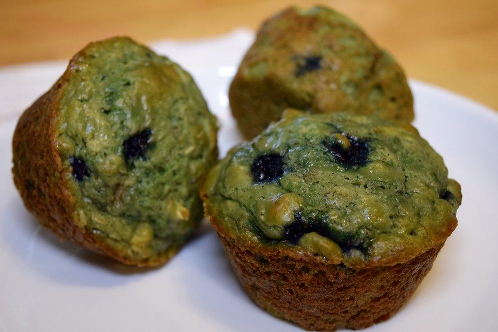 super_food_avocado_banana_kale_wheatgrass_muffin