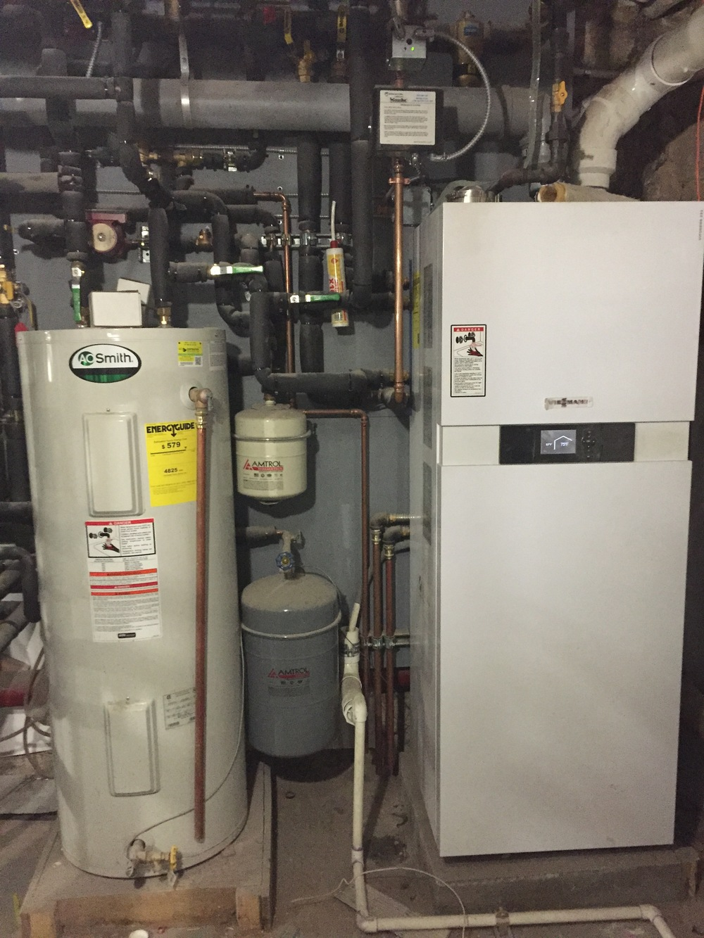 Absolute Mechanical is a licensed heating contractor, boiler installer, operating in New York. We specialize in the installation and correction of the installation of steam and hydronic heating systems.