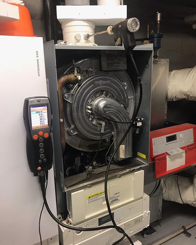 Performing combustion check on one of our old Viessmann installations #viessmann #boilers #setup #heatinginBrooklyn #absolutemechanicalcoinc