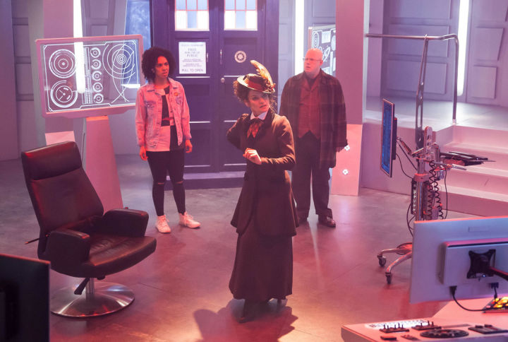 Doctor Who and her disposables, Exposition and Comic Relief