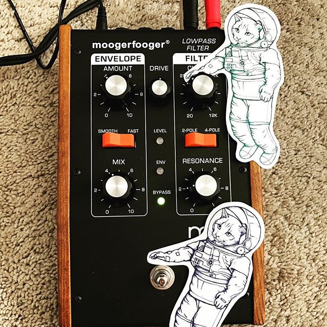 Trying to send transmission to Major Tom! @moogsynthesizers  @davidbowie